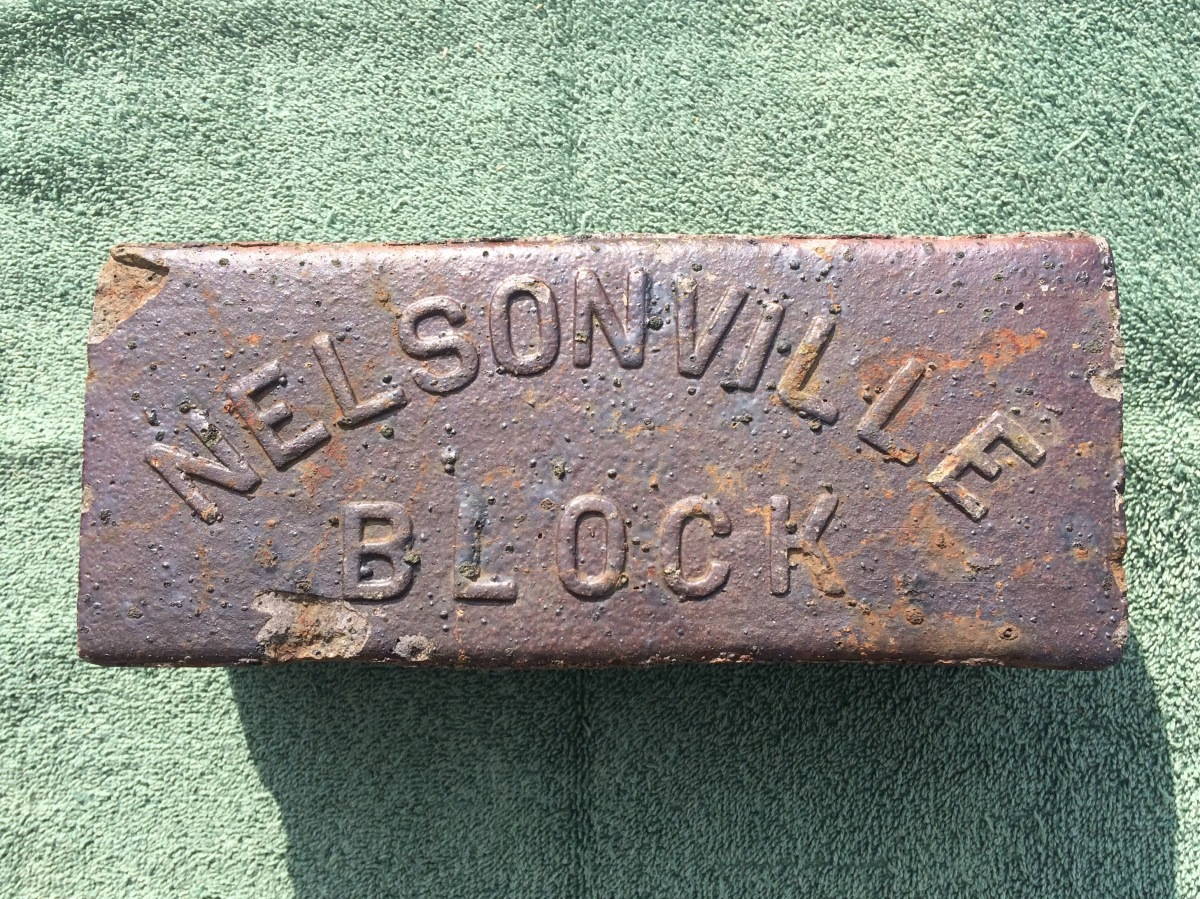 Nelsonville Block Curved Raised Letters